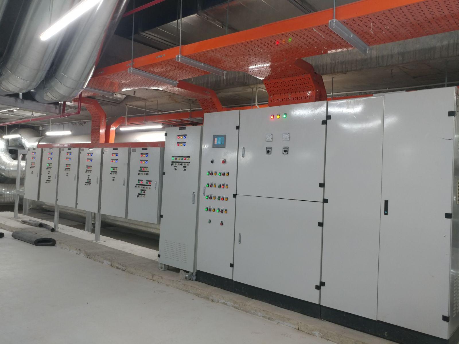 Tủ điện được phân loại dựa vào thiết kế bên ngoài